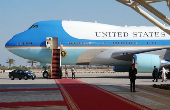 Insolite : Barack Obama force Bill Clinton à rentrer dans  Air Force One