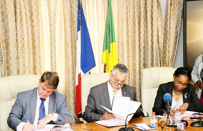 Congo – Finances : La France et le Congo ont  signé un accord-cadre d'appui budgétaire de 88 milliards et demi de Francs CFA