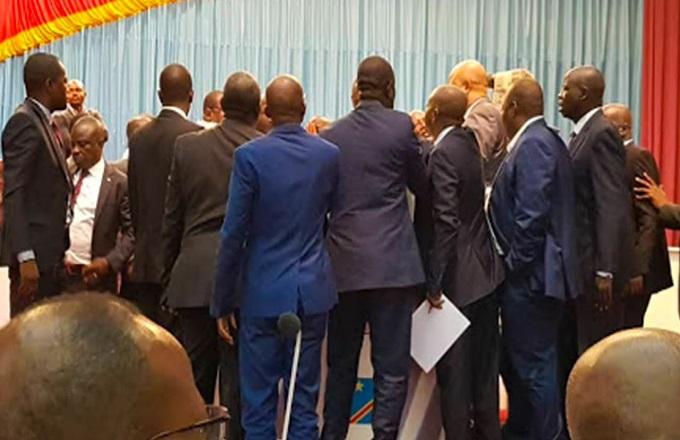RDC : Bagarre à l'Assemblée nationale, des députés se donnent en spectacle après des jours de tensions
