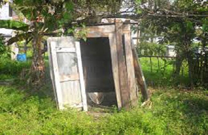 Kimongo : Le sous-préfet et la police traquent les logements et latrines insalubres