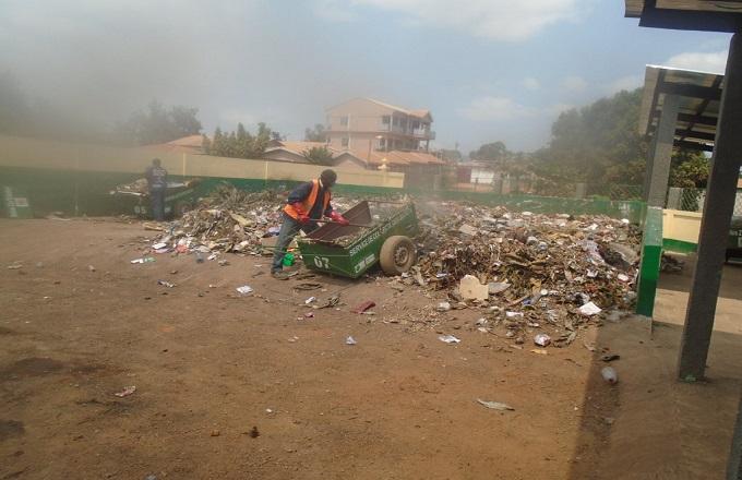 Dolisie : une clinique privée s'engage à procéder à l'enlèvement des déchets ménagers moyennant 5000 FCFA par famille