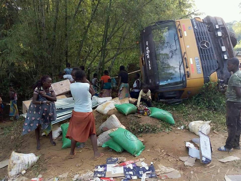 Spectaculaire accident sur l'axe routier Dolisie-Mbinda