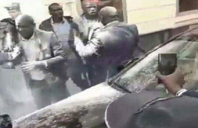 Sénégal – Diaspora: Le cortège du président Macky Sall enfariné à Paris