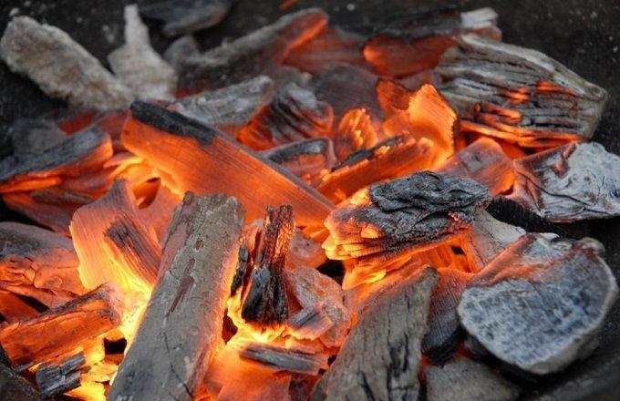 Le charbon de chauffe occupe la première place devant le gaz, le pétrole lampant et l'électricité.