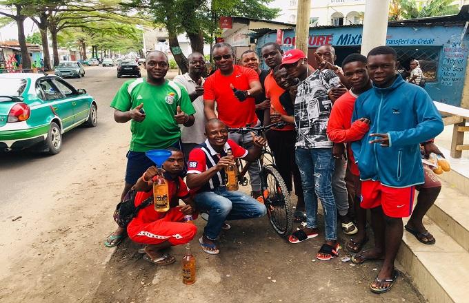 Alain Akouala Atipault encourage l'engagement des jeunes congolais dans la débrouillardise