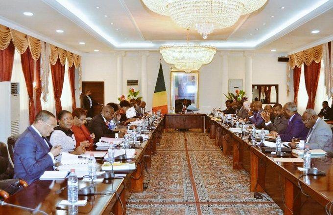 Congo : Les membres du gouvernement en Conseil de cabinet à la Primature